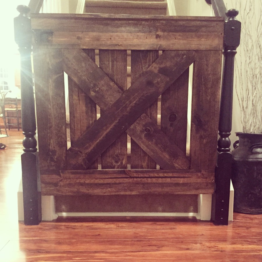 Barn-door Baby-gate {or doggy gate} – Candice Michelle Designs
